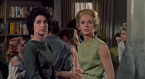 The Birds Alfred Hitchcock Tippi Hedren Suzanne Pleshette pic 1.jpg