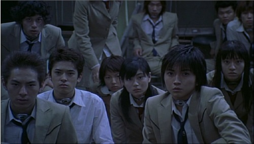 battle royale 2000 classroom pic 1 - Battle Royale - バトル・ロワイアル
